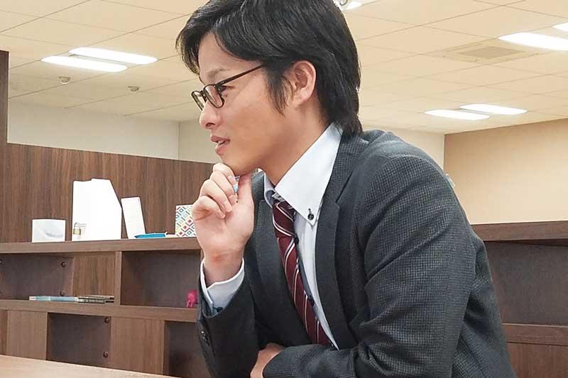 真剣な表情の園田さん